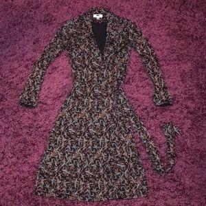 Diane VON Furstenberg Iconic Wrap Dress Sz 2